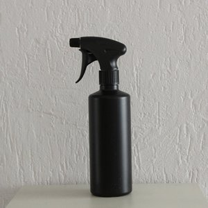 HDPE zwart 500 ml + spraykop