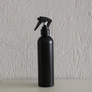 HDPE zwart 250 ml + spraykop